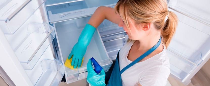 rengjøre kjøleskapet
